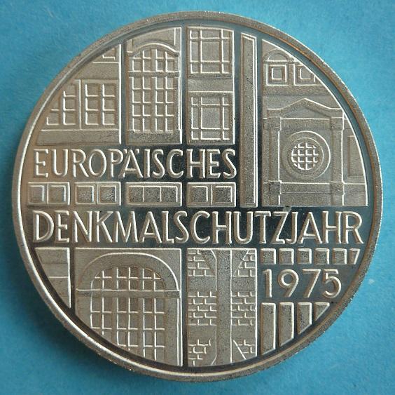 Gedenkmünze zum Europäischen Denkmalschutzjahr 1975 (Bild: Jobel, CC BY 3.0)