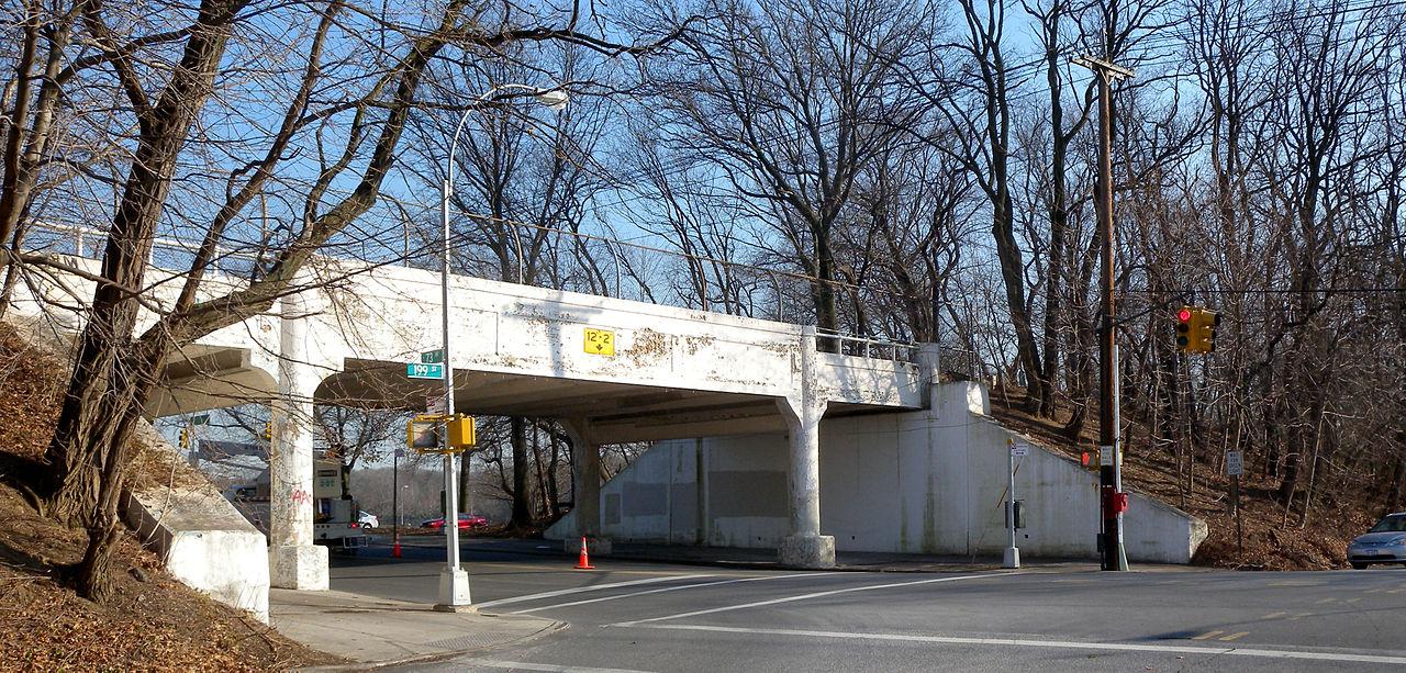 New York, Brücke des Autobahnvorgängers (Bild: PD)