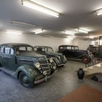 Autosalon Anno 1939 im Jahr 2015: Otto Hausmann bewahrte seine Lieblingsautos auf (Bild: Stephan Lindloff)