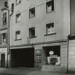 Der Anfang: 1934 wurde das Altstadthaus zur Autowerkstatt umgebaut (Bild: O. Hausmann)