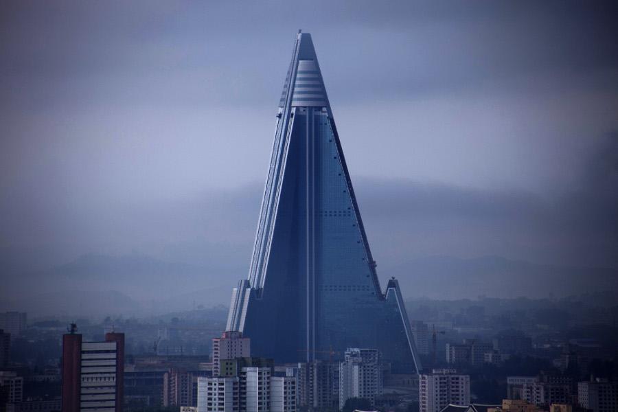Pjönjang, Ryugyŏng-Hotel (Bild: Roman Harak, CC BY SA 2.0)