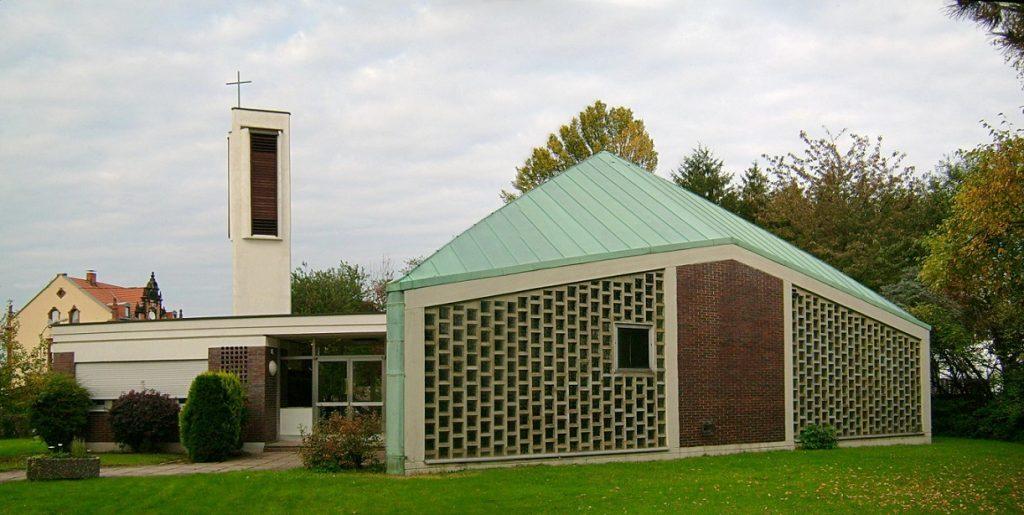 Quierschied-Göttelborn, Friedenskirche (Bild: Lokilech, GFDL oder CC BY SA 3.0, 2007)