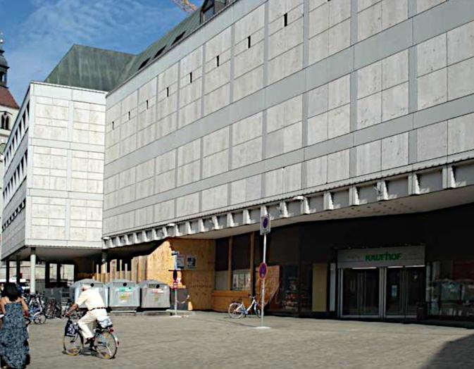 Regensburg, Kaufhof-Gebäude (Bild: Jenna-November, via golocal.de)