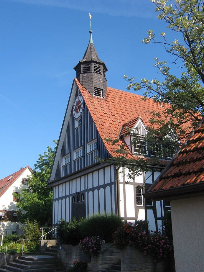 Reutlingen-Reicheneck, Kirche, 1910 (Bild: Vux, CC BY-SA 3.0)