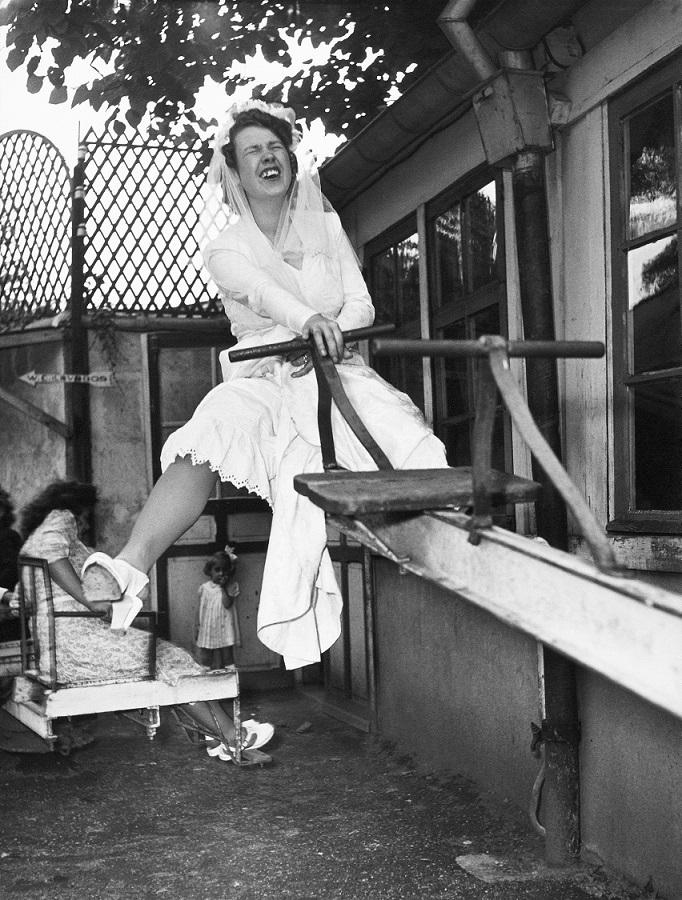 Robert Doisneau, La mariée chez Gégène, 1946 (© Atelier Robert Doisneau, 2016)