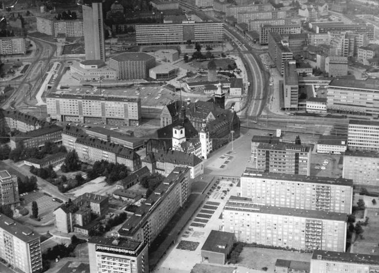 Das Zentrum von Karl-Marx-Stadt am 31. März 1977 (Bild: Bundesarchiv Bild 183-S0331-0020, CC BY SA 3.0.de, Foto: Wolfgang Thieme)