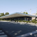 Am Rande des Brühls entstand in den 1960er Jahren der zentrale Busbahnhof von Karl-Marx-Stadt mit einem futuristischen Flugdach (Bild: S. Necker)