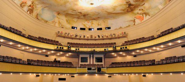 Sitzen im Staatstheater Saarbrücken