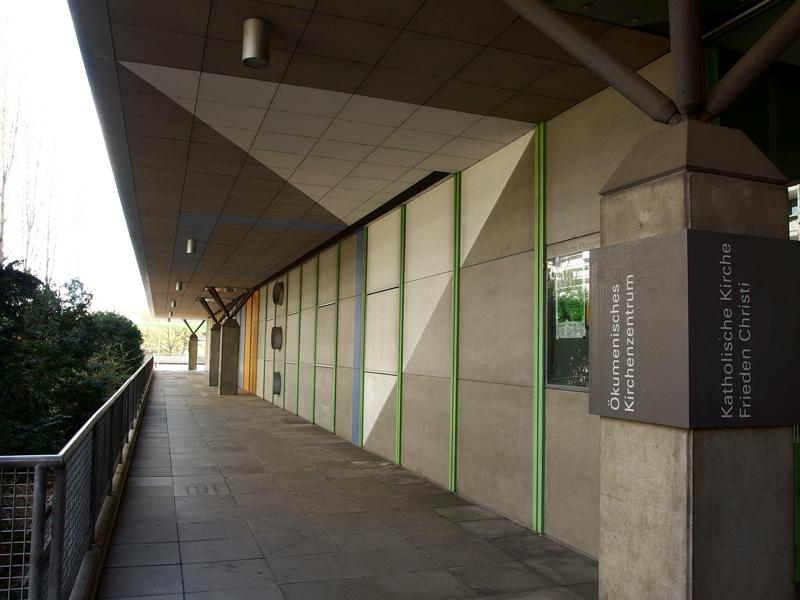 München, Ökumenisches Zentrum im Olympiadorf, Außenwand (Bild: Andreas Poschmann/Straße der Moderne)