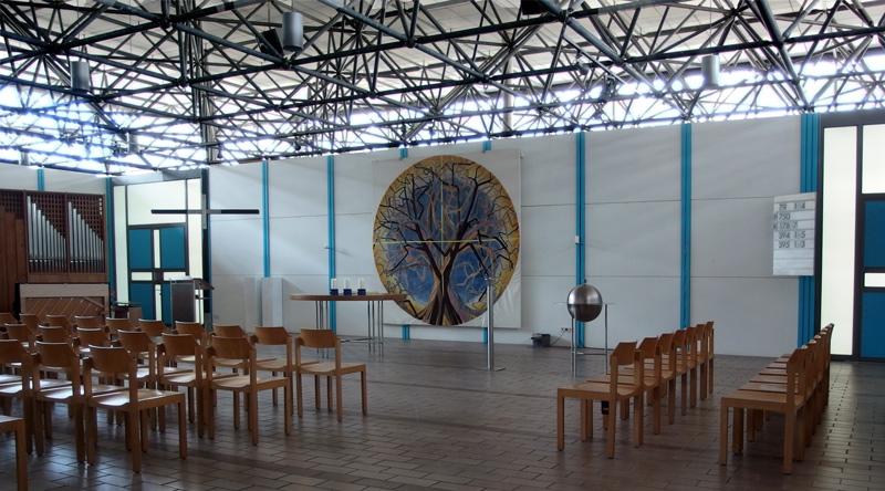 München, Ökumenisches Zentrum im Olympiadorf, evangelischer Kirchenraum (Bild: Andreas Poschmann/Straße der Moderne)