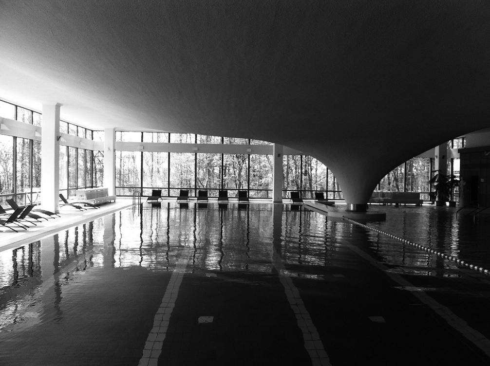 Sellin, Schwimmbad (Bild: Müther-Archiv)