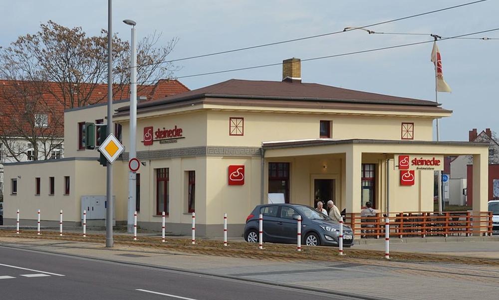 Leuna, Tankstelle (Bild: Olaf Meister, CC BY SA 4.0)