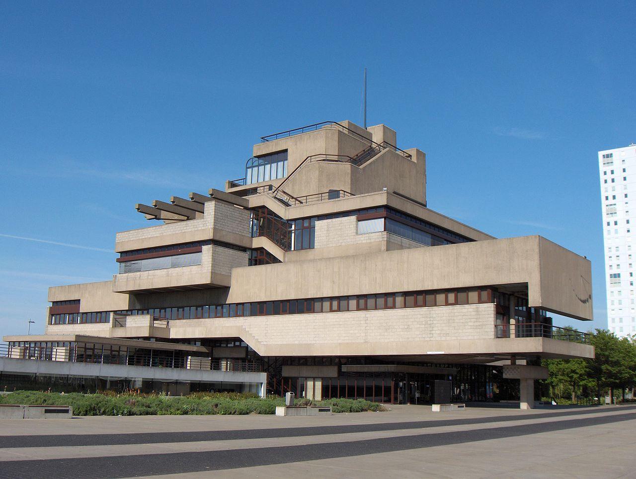 Dem Rathaus im niederländischen Terneuzen (1973) geht´s noch gut. Doch der Brutalismus ist bedroht (Bild: Friedrich Tellberg, CC BY-SA 2.0)