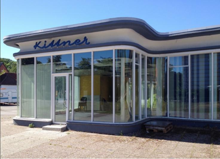 Nachkriegsmoderne als Spolie? Dem Kittner-Gebäude in Travemünde droht Unschönes (Bild: Wilfried Dechau)