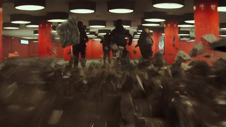 "Die Berliner Passerelle in den ""Tributen von Panem"" (Bild: youtube-Still, The Hunger Games)"