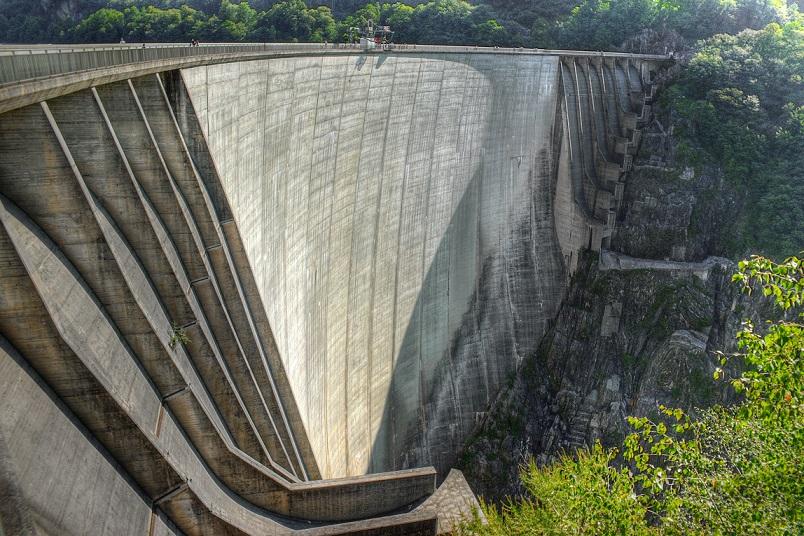 Valle-Verzasca-Staumauer (Bild: Martin Abegglen, CC BY SA 3.0)