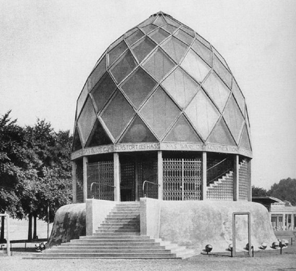 Bruno Taut: Glashaus-Pavillon in Unterstützung durch die Firma Osram für die Werkbundausstellung in Köln, 1914 (Bild: historische Fotografie, o. A.)