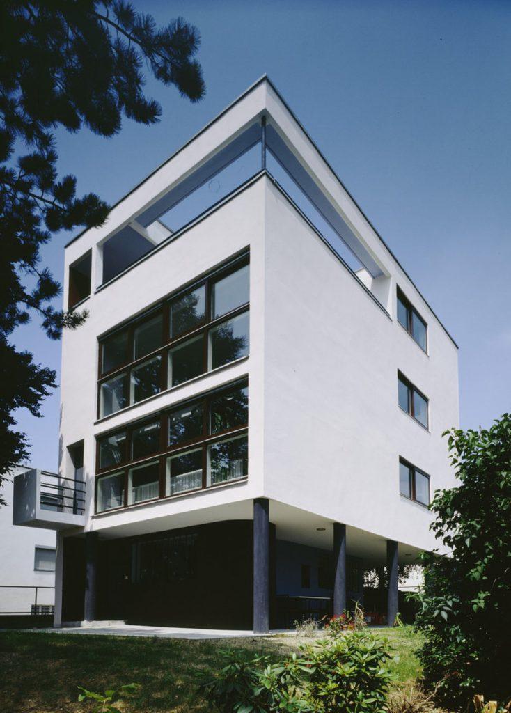 Le Corbusier: Haus in der Weißenhofsiedlung in Stuttgart, Bruckmannweg 2, Gartenterrasse, 1927 (Foto: Waltraud Krase, color, 9 x 12, Bild: © Bildarchiv Foto Marburg/Waltraud Krase)