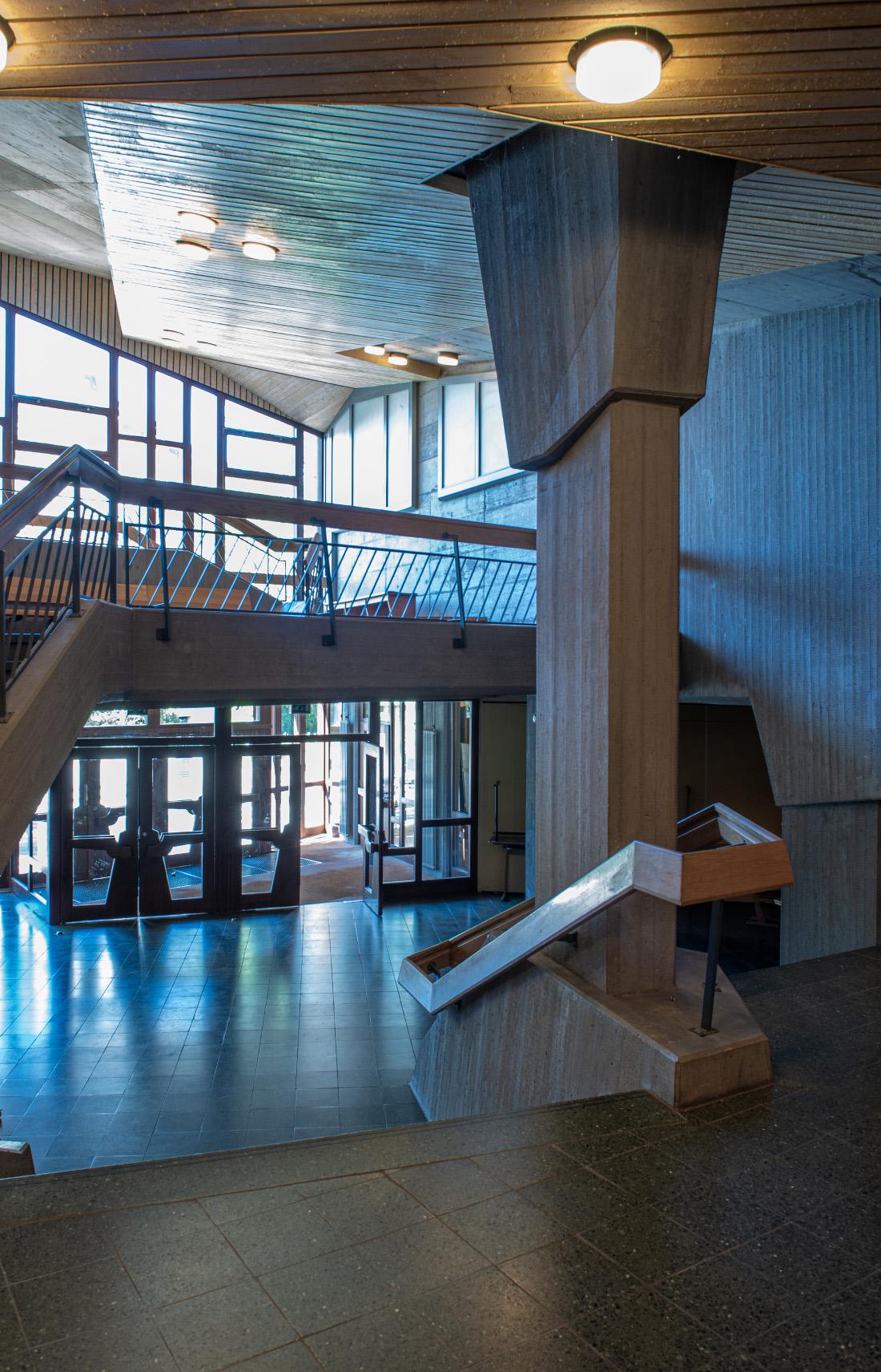 Stuttgart, Freie Waldorfschule Uhlandshöhe, Saalbau, 1975–1977 (BPR), Ansicht der Nord-Fassade (Foto: © Steffen Fuchs, Institut für Europäische Kunstgeschichte, Universität Heidelberg, 2020)