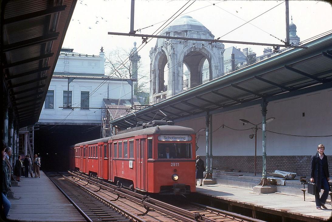 Wien, Stadtbahn, Stadtpark (Bild: TARS631, 1978)
