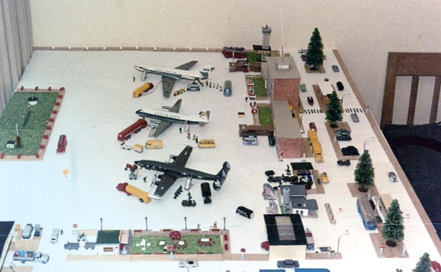 Wolfgang Voigt baute sich seinen eigenen Flughafen (Bild: privat)