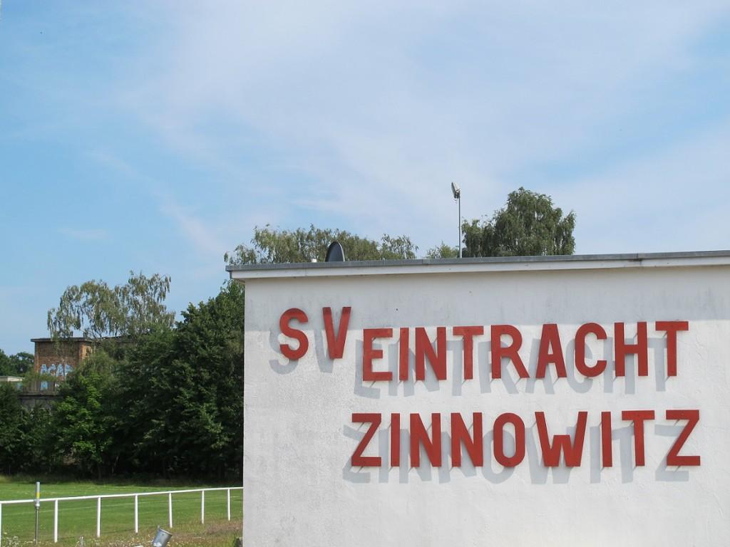 Hinter dem Kulturhaus Zinnowitz wird der Sportplatz heute u. a. vom SV Eintracht Zinnowitz genutzt (Bild: K. Berkemann)