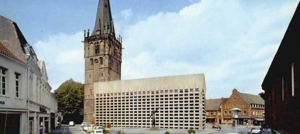 Ahaus, St. Mariä Himmelfahrt, nach dem Umbau (Bild: historische Postkarte, Krapohl-Verlag, Schloss Hülchrath)