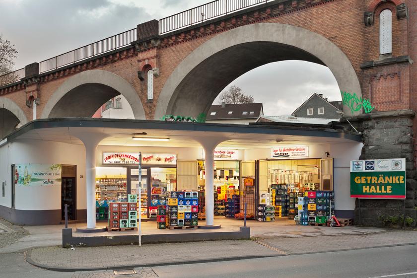 Wupertal, ehemalige Tankstelle, jetzt Getränkemarkt (Bild: © Joachim Gies, 2014)