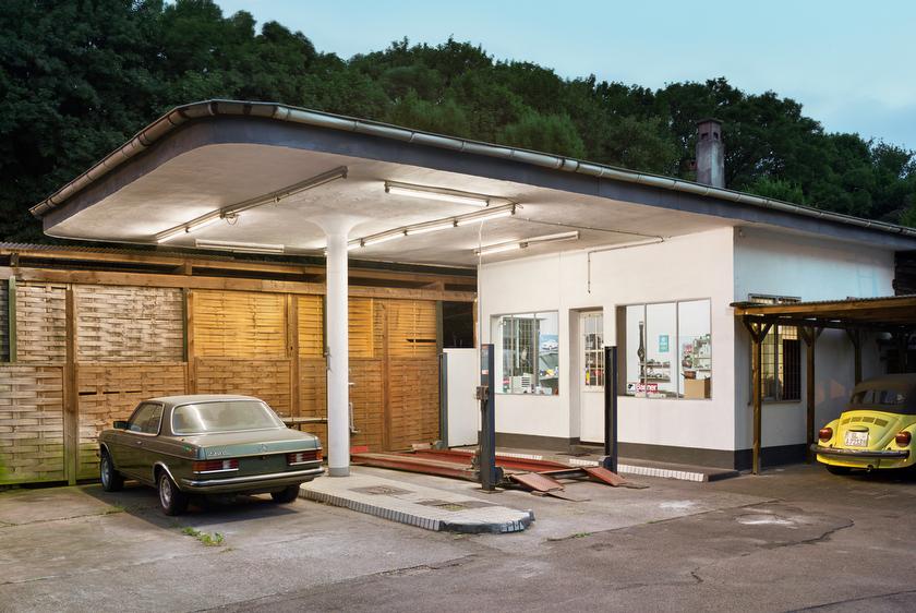 Leverkusen, ehemalige Tankstelle, jetzt Autowerkstatt (Bild: © Joachim Gies, 2013)