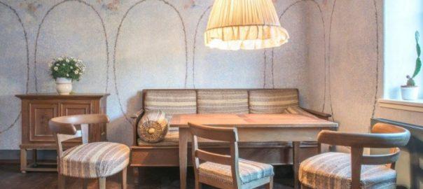 Pößneck, historische Möbel Heinrich Tessenows in der Schauwohnung (Foto: Elisabeth Schneider)