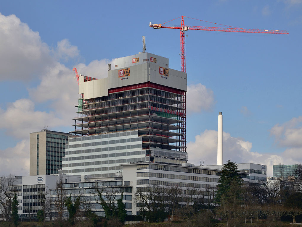 Basel, Umbauarbeiten auf dem Roche-Gelände (Bild: Taxiarchos228, via wikimedia commons, FAL, März 2014)