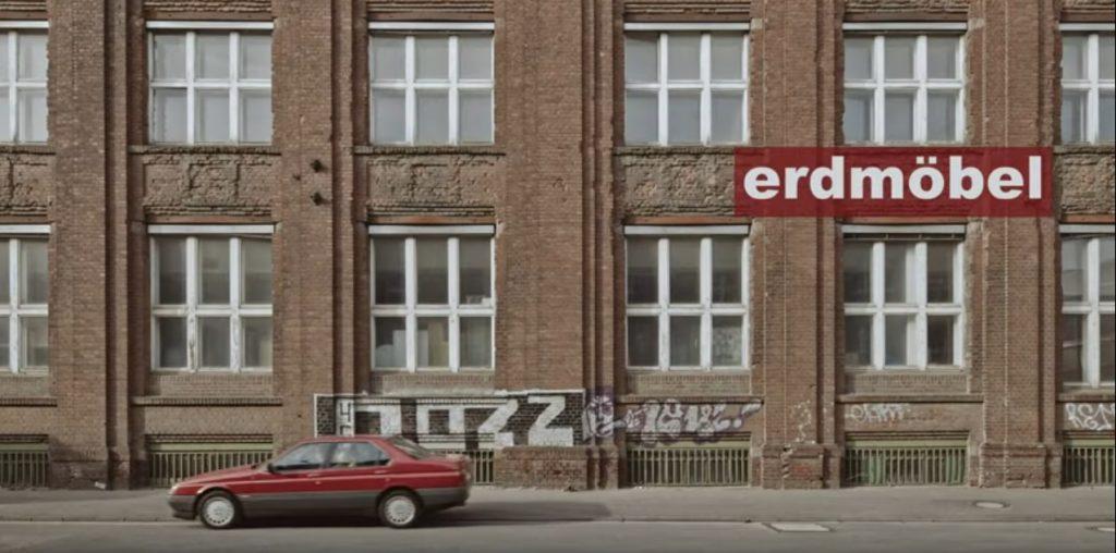 """""""Beherbergungsverbot"""" von Erdmöbel in """"Raum 13"""" in Mülheim (Bild: youtube-Still)"""