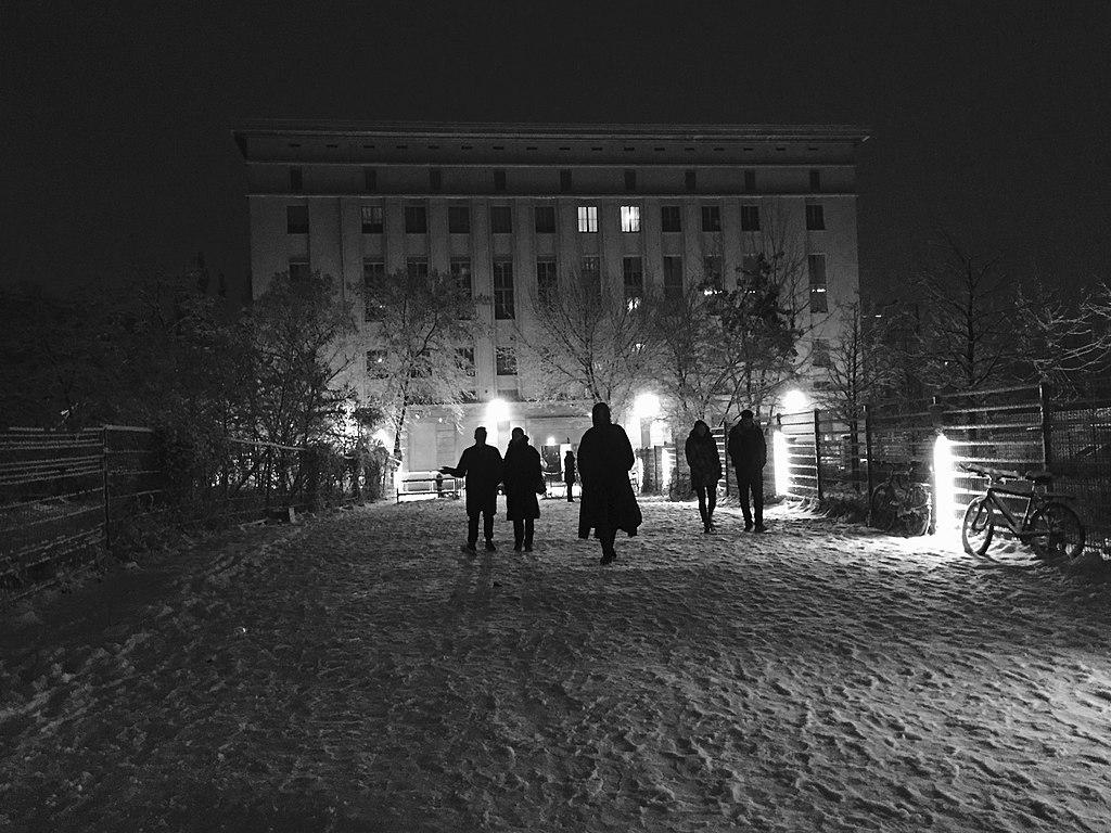 "Berlin, ""Berghain"" im Schnee (Bild: Michael Mayer, CC BY 2.0, 2016, via flickr.com)"