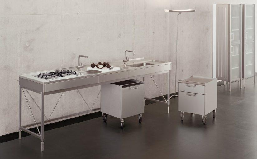 Küchenwerkbank (Bulthaupt, System 20, 1988) (Bild: Bulthaup GmbH & Co. KG, CC BY SA 3.0)