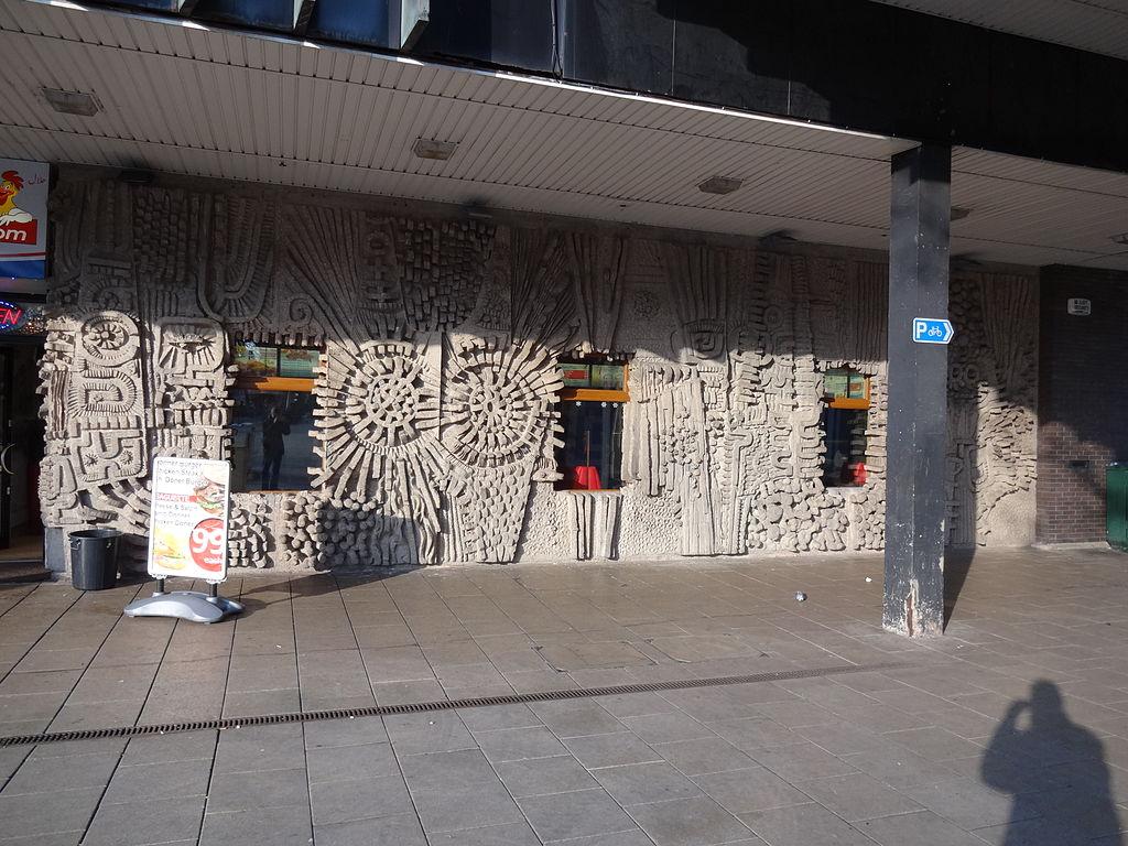 Coventry, Three Tuns und Bull Yard (Bilder: RobJN, CC BY SA 3.0, 2013)
