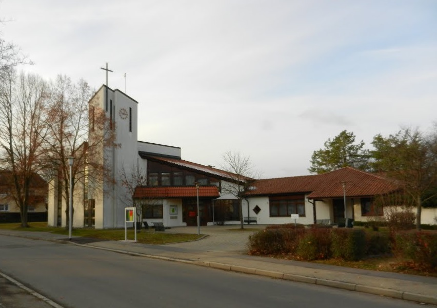 Crailsheim, Paul-Gerhardt-Kirche (Bild: stieborsky, via mapio.net, 2012)