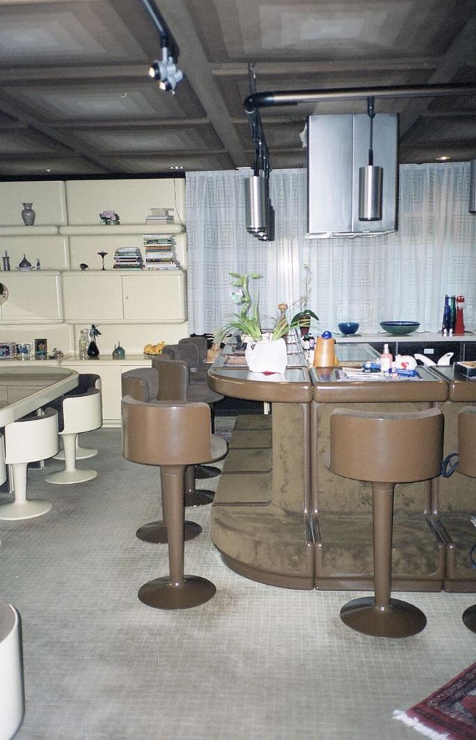 ausstattung des wohnhauses k chentheke und esstisch bild. Black Bedroom Furniture Sets. Home Design Ideas
