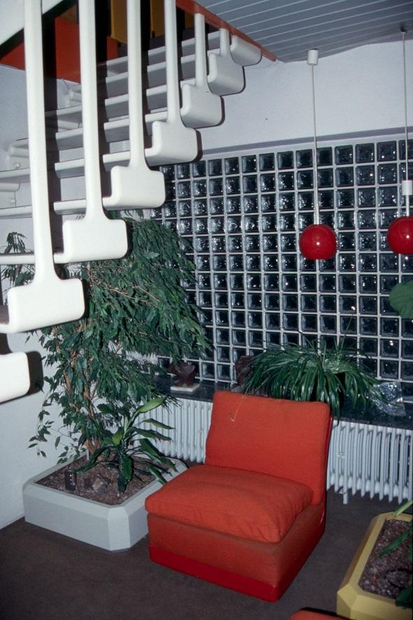 GFK-Treppe ins Obergeschoss (Bild: FOMEKK Bauhaus-Universität Weimar, 2001)