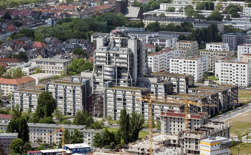 Frankfurt: Die ehemalige Bahnzentrale bleibt!