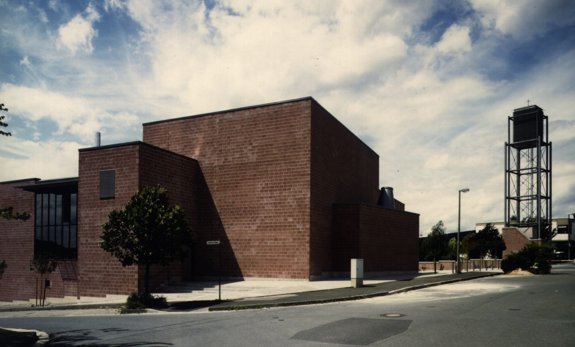 Friedrichsdorf: Die Bonifatiuskirche tropft - moderneREGIONAL
