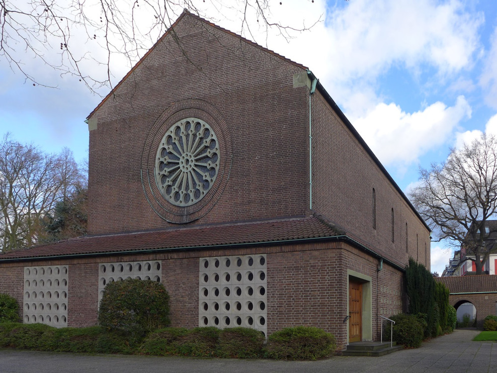 Gladbeck, St. Johannes (Bild: Michael Durwen, CC BY 3.0, via kirchbau.de)