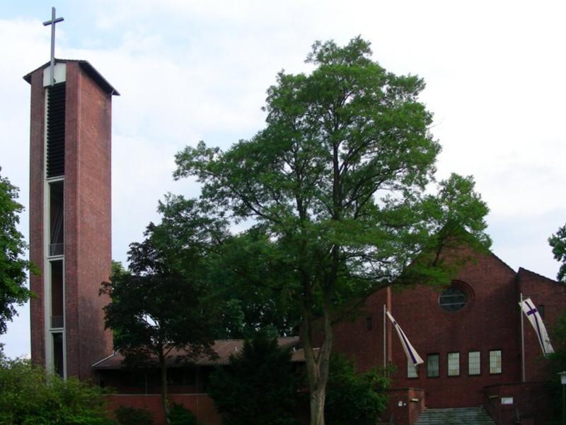 Leverkusen-Manfort, Johanneskirche (Bild: harrymeschke, via mapio.net)