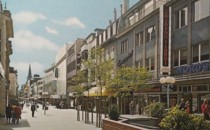 Paderborn, Fußgängerzone (Bild: historische Postkarte)