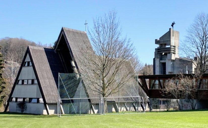 Riethüsli, Katholische und Reformierte Kirche (Bild: Erich Gmünder, via riethuesli.ch)