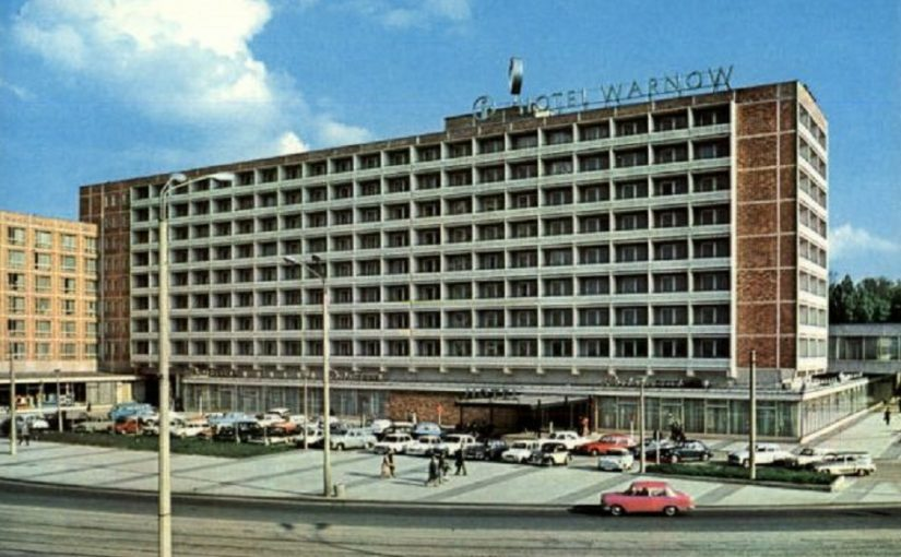 Rostock, Hotel Warnow (Bild: historische Postkarte)