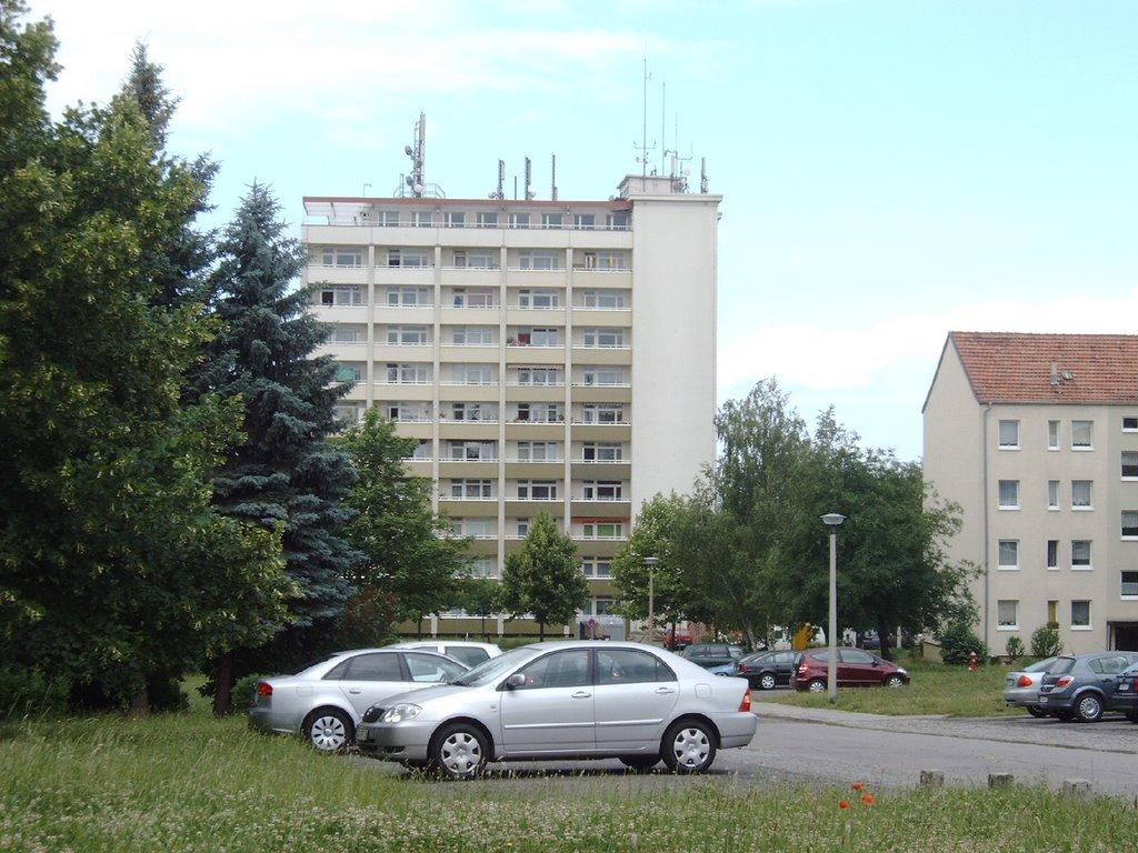 Sangershausen, Hochhaus in der Erfurter Straße (Bild: hmon23, via mapio.net)