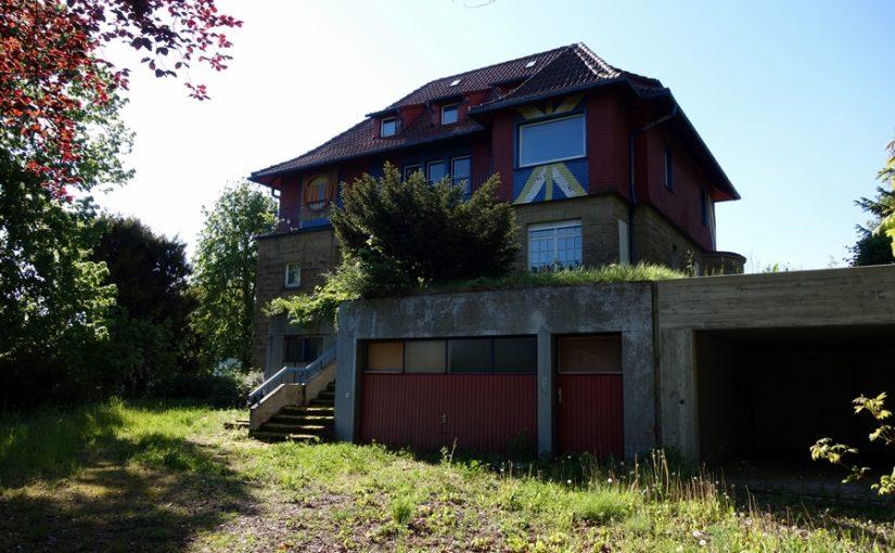 Stuttgart: Haus Hajek in Nöten