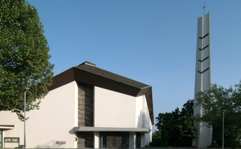Stuttgart-Mönchfeld, St. Johannes Vianney (Bild: Martin Schall, you-are.here.com)