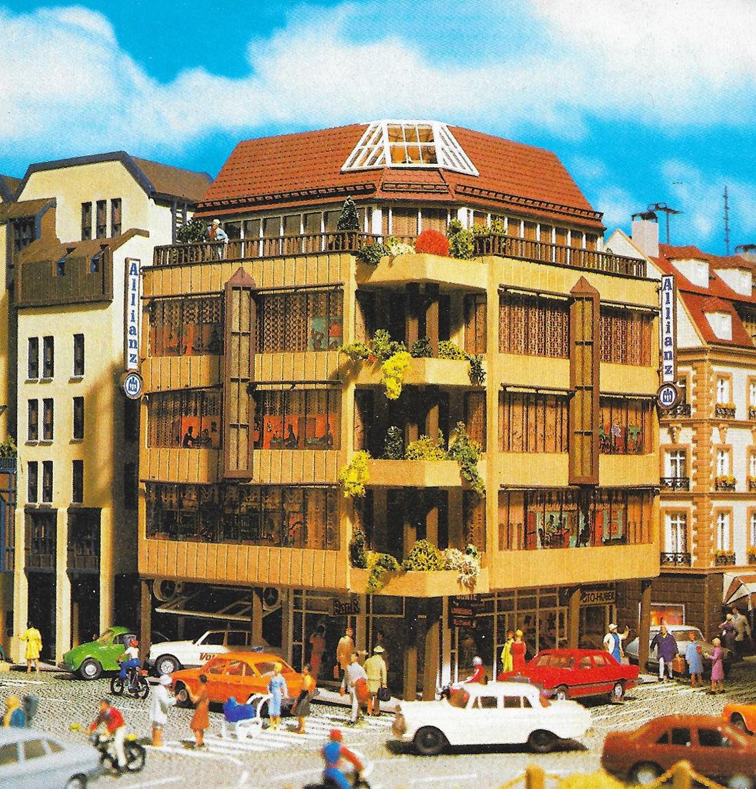 Vollmer-FutureLine, City-Eckhaus und -Wohnhaus (Bild: Vollmer-Katalog 1987, privat)