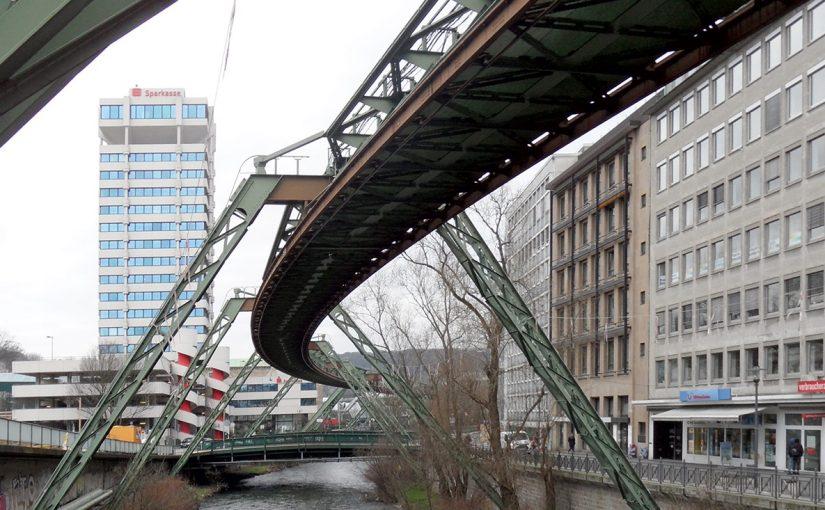Wuppertal, Sparkassenturm (Bild: onnola, CC BY SA 2.0, 2016)